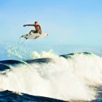 Mick Fanning re-signs with Rip Curl