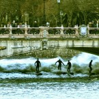 Surfing the river waves of Río Urumea
