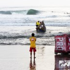 Oakley World Pro Junior Kicks Off at Pumping Canggu