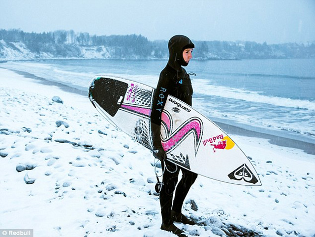 Sally-Fitzgibbons-Nova-Scotia-01