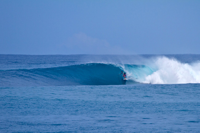 7of16-David-Valladares-our-guide-got-the-best-waves-he-mas-many-seasons-under-his-belt