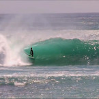 Video: Balinese surfers – Padang Padang