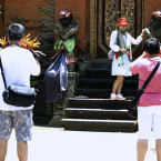 Chinese Tourists Overtake Australian Arrivals to Bali
