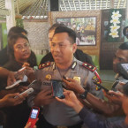 Seven Balinese Police Confess to Extorting Foreign Tourist