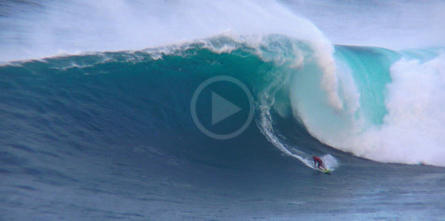 Video: Kelly Slater Hits Jaws