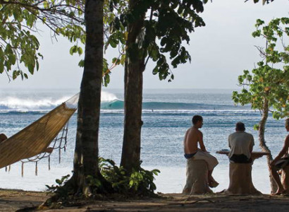 9 Amazing Surf Camps
