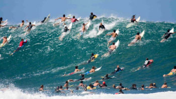 9 Ways to Have More Fun Surfing in a Crowd