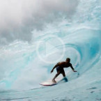 Video: Big Waves and Heavy Barrels in Hawaii
