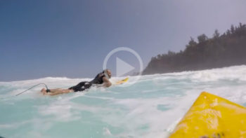 Video: This Is How Hard It Is To Paddle Out and Paddle In At Jaws