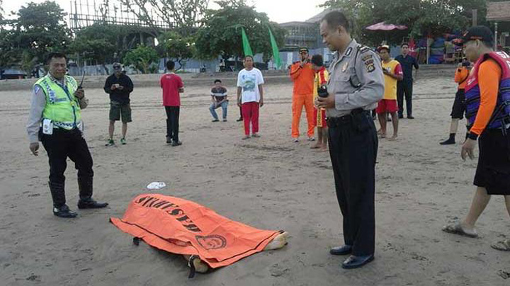 Foreign Tourist Drowns at Double-Six Beach