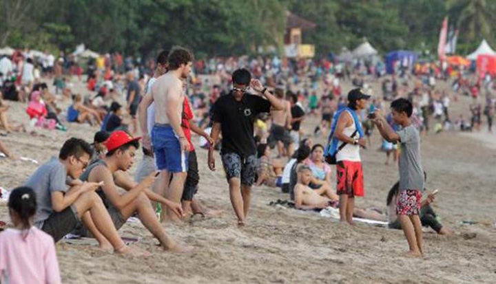 10 Ways to Spot a 'Trendy' Jakartan on Holiday in Bali