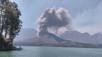 Again, Volcanic Ash from Mount Rinjani Forces Cancellation of Bali Flights