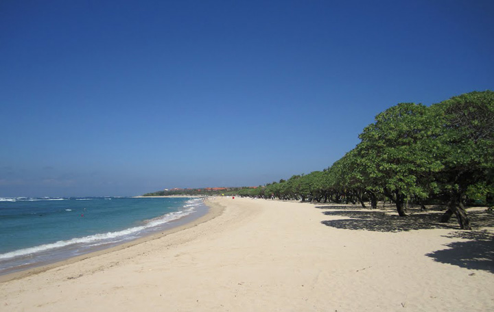 Complaints Against Nusa Dua Hotel for Impeding Public Access to Beaches