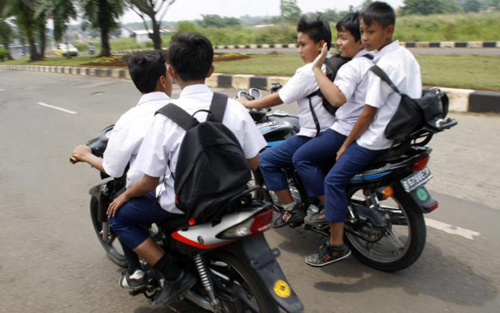 Indonesian Woman Start Petition to Jail Parents Who Let Their Underage Children Drive