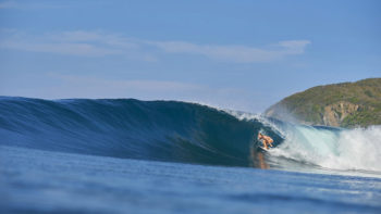 Video: Alana Blanchard, Tyler Wright And Nikki Van Dijk Stuck In Reception