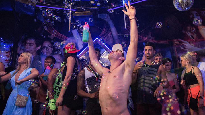 Warning and Advice Issued to Australian Schoolies Celebrating in Bali