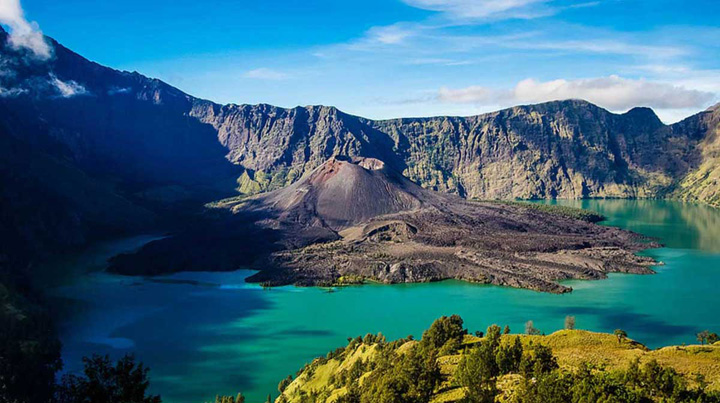 Lombok Mount Rinjani Records More than 91,412 visitors in 2016