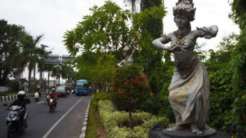 Bali Decides To Not Cover Nude Statues for Saudi King's Visit