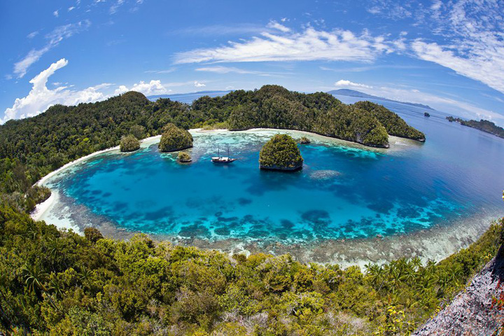 Six Tips for Foreign Tourist Traveling to Remote Areas of Indonesia
