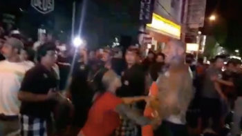 Video: Shirtless Tourists Trash Talk and 'Fight' in Legian, Kuta