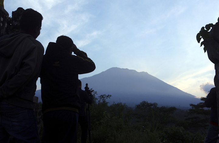 Over 130,000 Evacuated as Mount Agung Shows Signs of Imminent Eruption