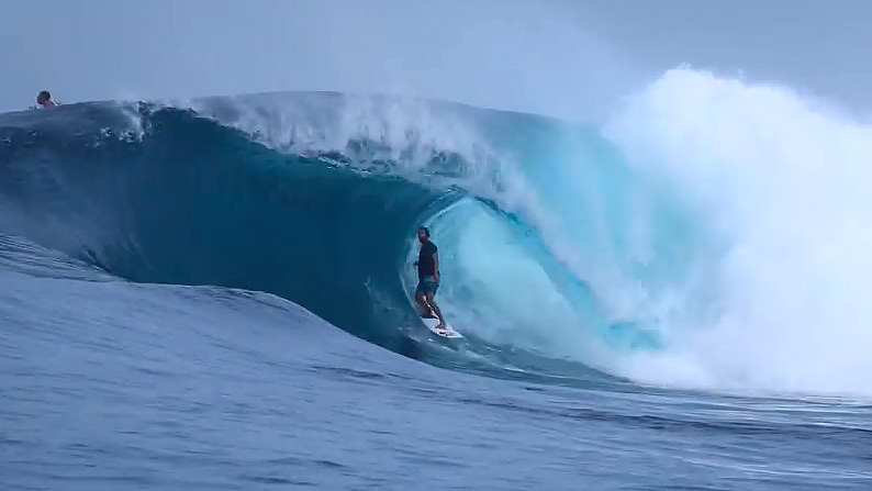 Video: Yoni Klein Turns It On In Indonesia